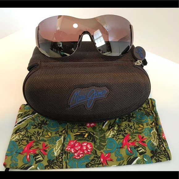 ef9d5b4bd39 New Maui Jim Polarized Sunglasses. M 5c32864c2e14784b590156fa